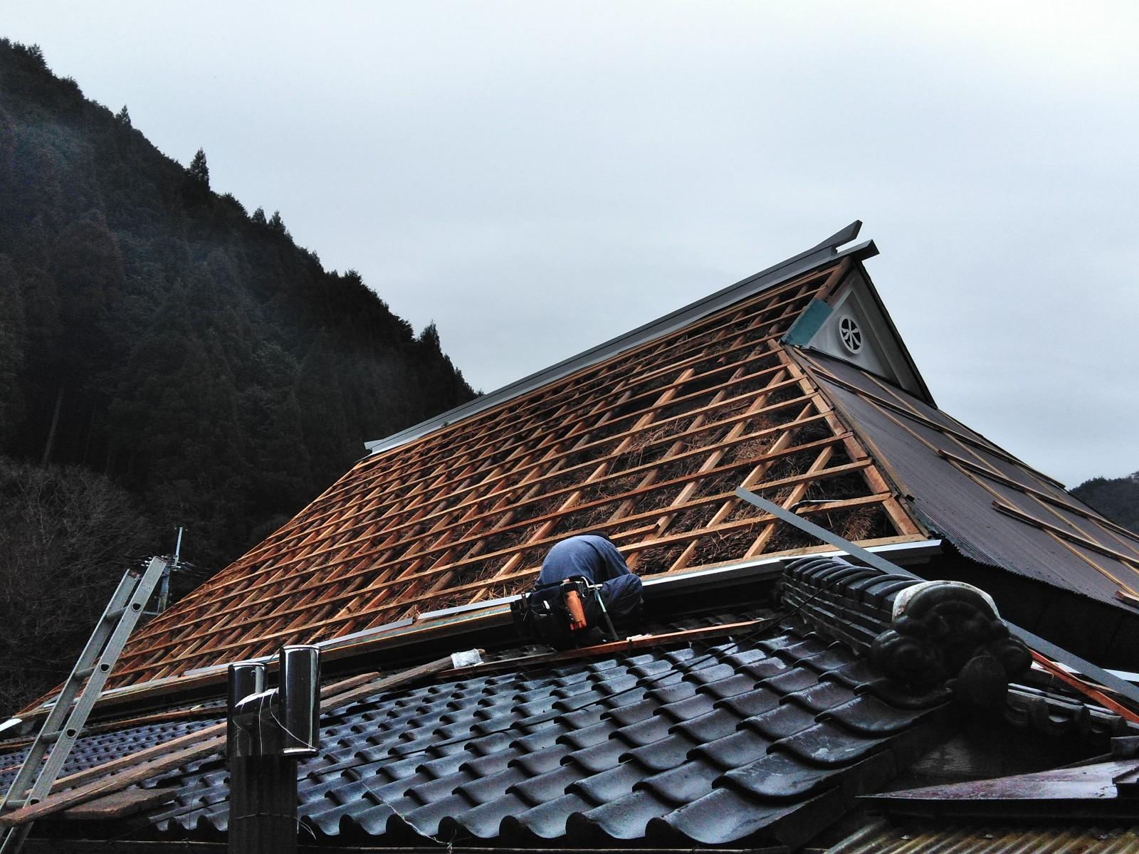 屋根工事!